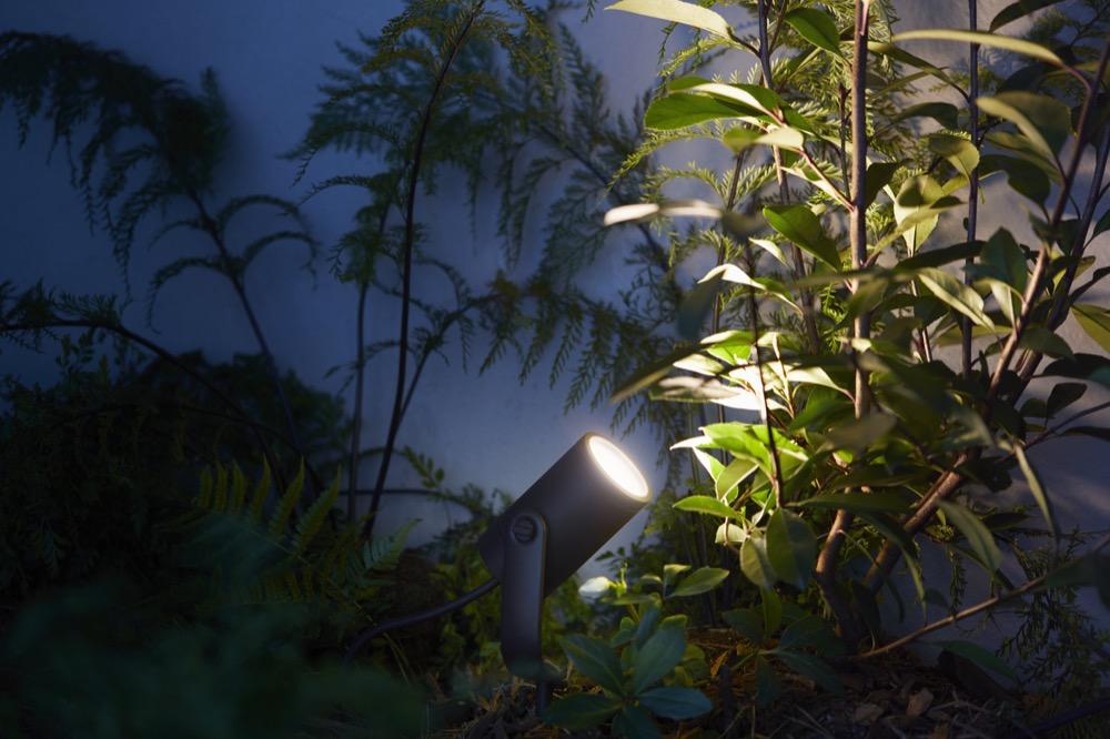 Hueblog: Philips Hue Lily: Condensation makes the lamp unusable