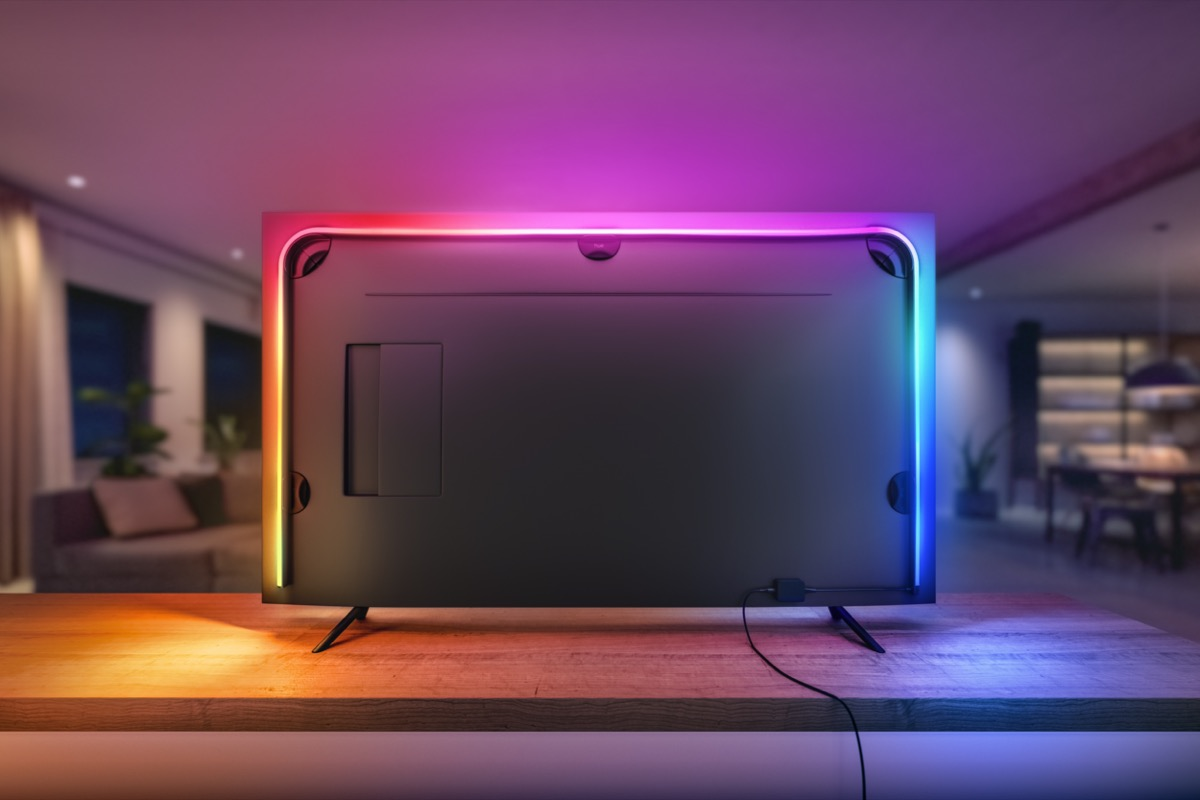 Hueblog: Gradient Lightstrip and the wall distance: 15 centimetres should be enough