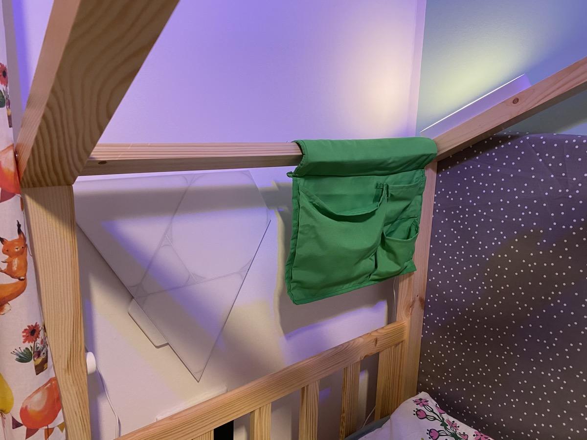 Hueblog: Night light at the kids bed: Nanoleaf or Philips Hue?