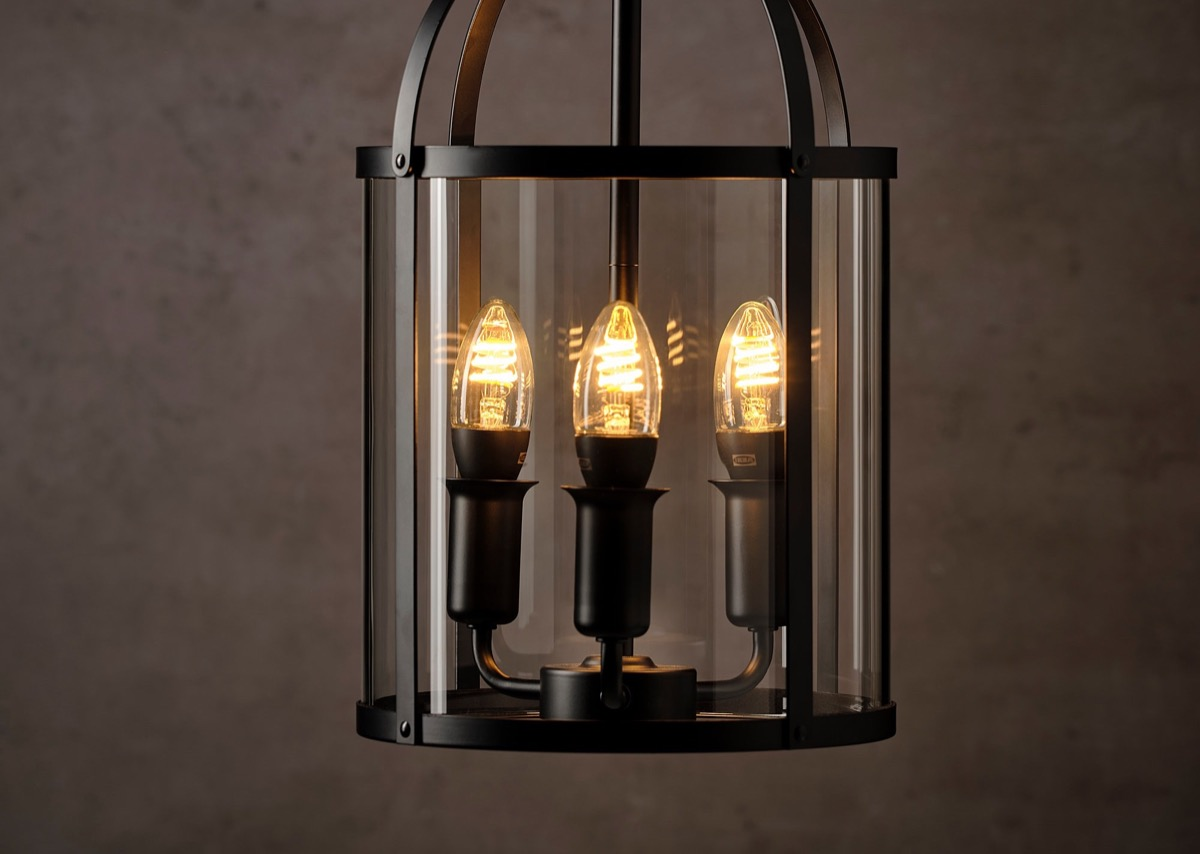 Hueblog: New filament lamp with E14 base makes its debut