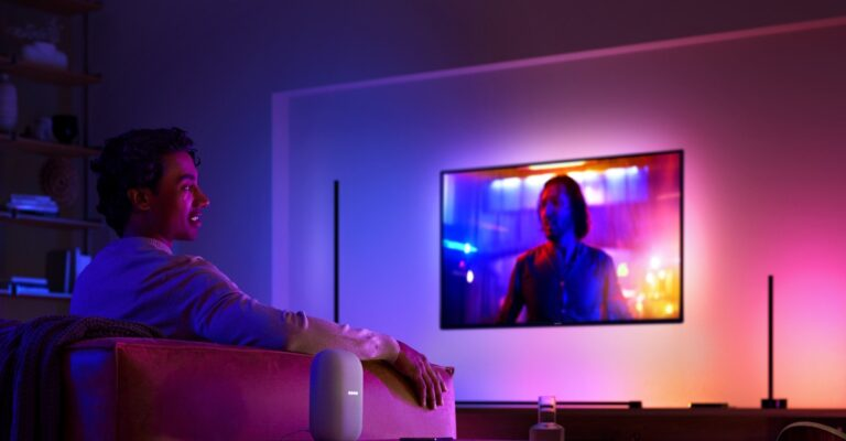 Hueblog: Difference between the Play Gradient Lightstrip and the Ambiance Gradient Lightstrip